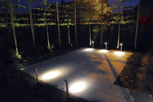 Sfeerbeeld 39 s avonds de telder tuinen - Buitenverlichting design tuin ...